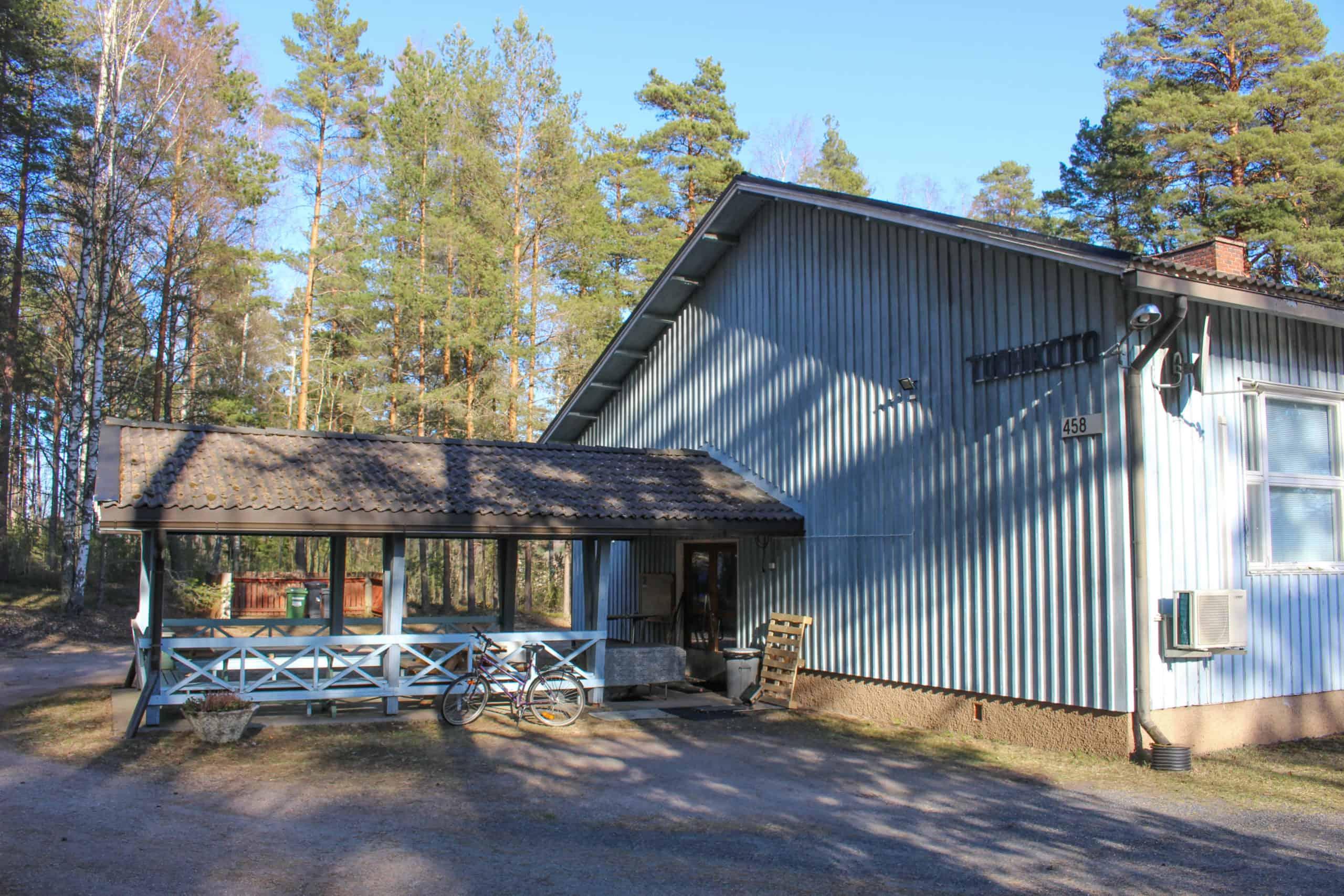 Kuva Tuohitun kyläyhdistyksen päämajasta Tuohikodosta.