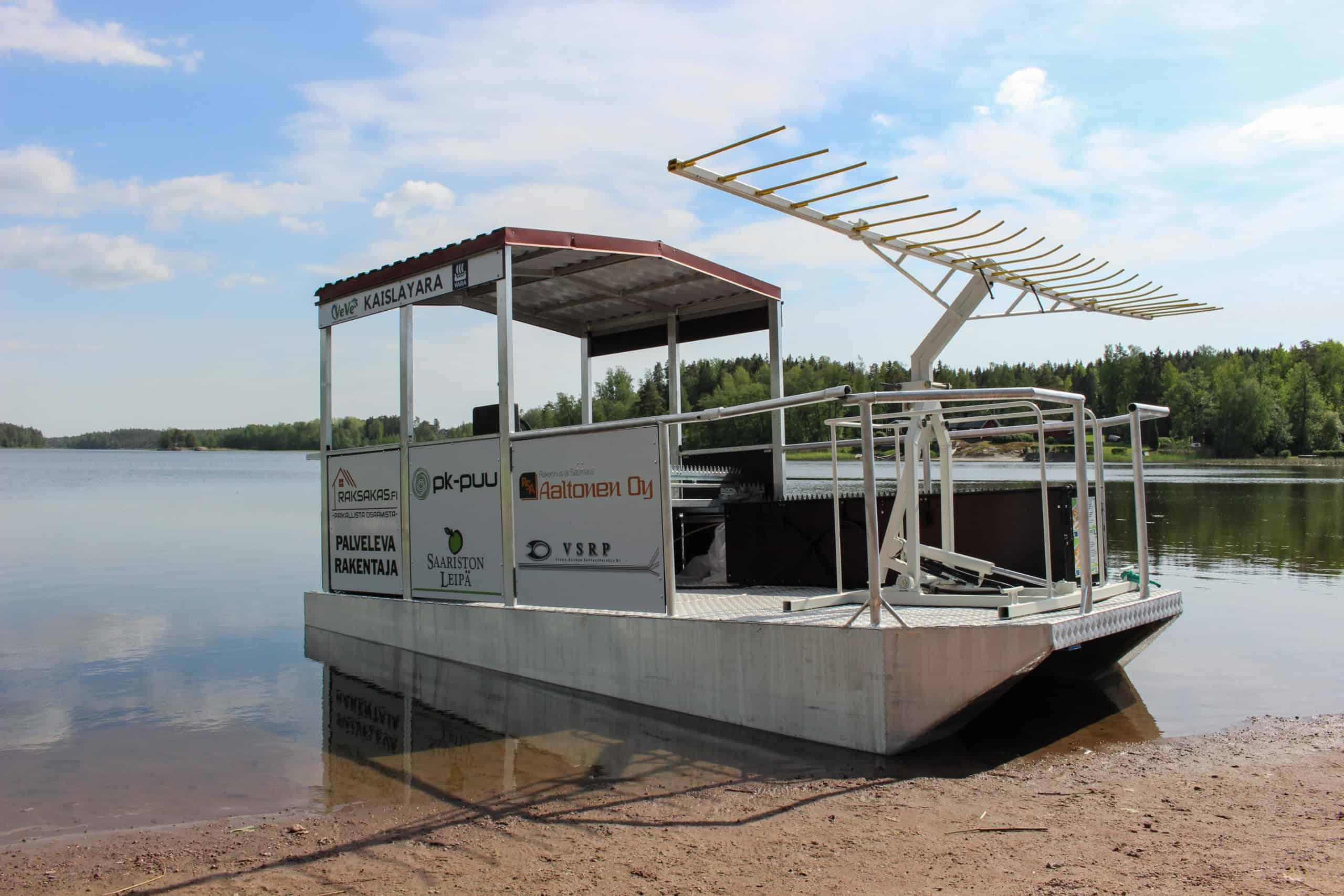 Vesistönhoitoalus KaislaYara järven rannassa.