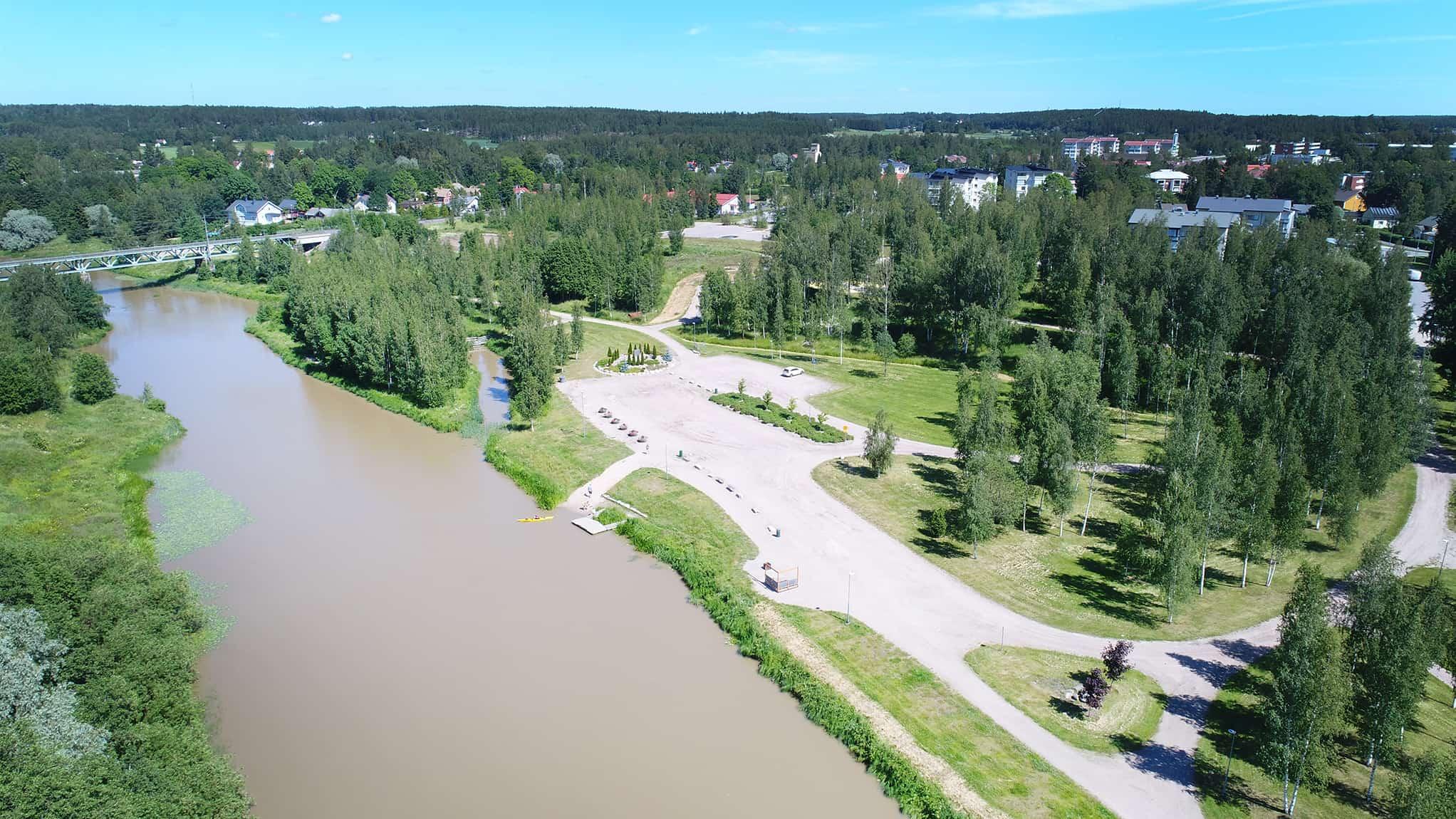 Ilmakuva Paimion joesta ja Jokipuistosta.